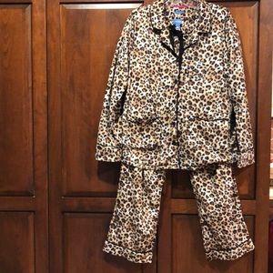 Simply Vera wang cheetah print large pj set SOFT